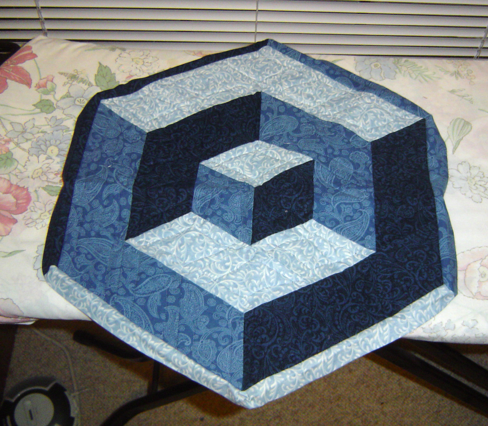Tumbling Blocks Crochet Afghan Pattern Free : hexagon Scientific Quilter