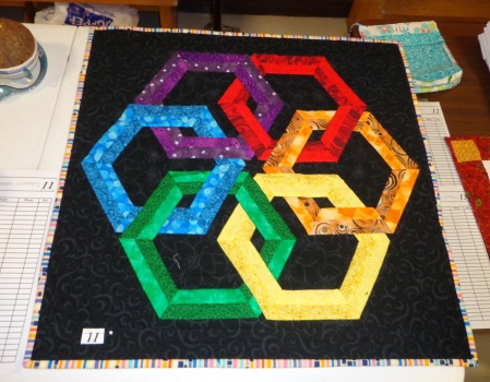 quilt show auction quilt hexadaisy rainbow